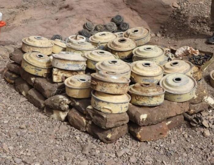 القوات الجنوبية تُطهر شمال الضالع من ألغام الحوثي (صور)