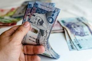 تحويلات الأجانب للسعودية تتراجع بنحو 2.1%