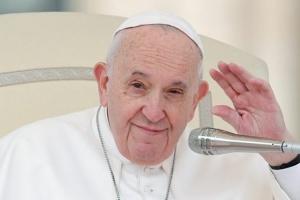 حقيقة إصابة بابا الفاتيكان بفيروس كورونا وسبب إلغائه كافة ارتباطاته اليوم