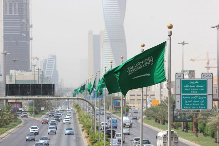 تعليق دخول مواطني دول مجلس التعاون الخليجي إلى مكة والمدينة مؤقتا