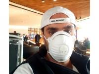 أحمد الشامي بالكمامة في أحدث ظهور له منتقدًا احتياطات مطار القاهرة