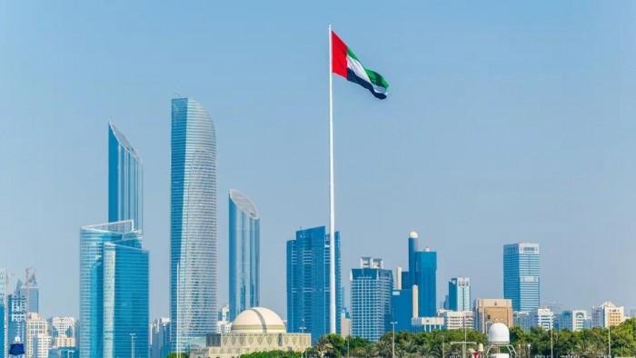 """عقب إجراءاتها الوقائية لمواجهة كورونا.. """"الإمارات"""" تتصدر قائمة الترند بتويتر"""