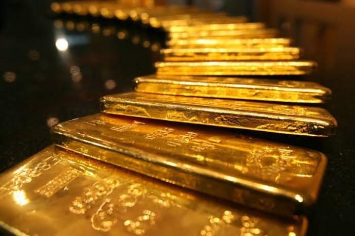 الذهب يواصل بريقه والأوقية تسجل 1641.08 دولار