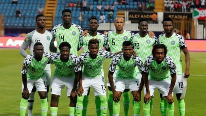 منتخب نيجيريا يعلن قائمة مواجهتي سيراليون في تصفيات كان 2021