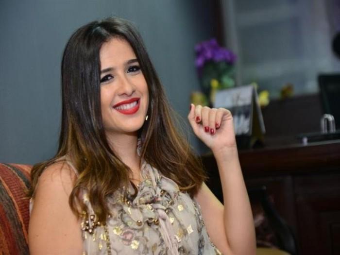 ياسمين عبد العزيز تتجاهل الأزمة الأخيرة وتحتفل بعيد ميلاد نجلها