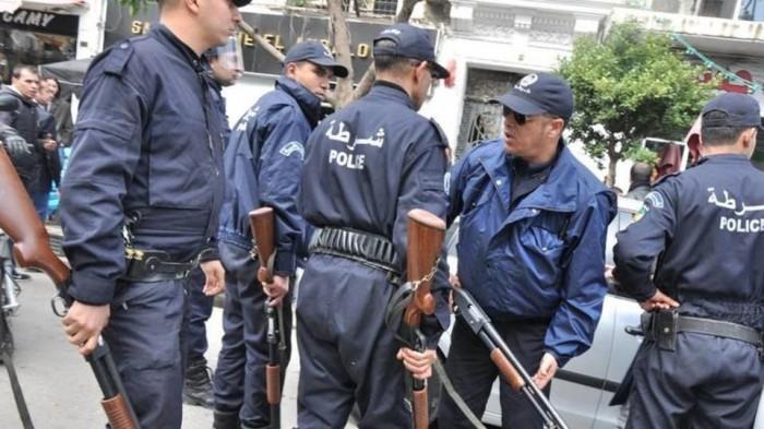الأمن الجزائري يحبط مخططًا إرهابيًا