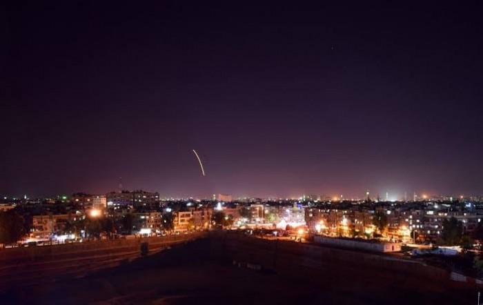 الدفاعات الروسية تدمر مسيرتين قرب قاعدة عسكرية بسوريا