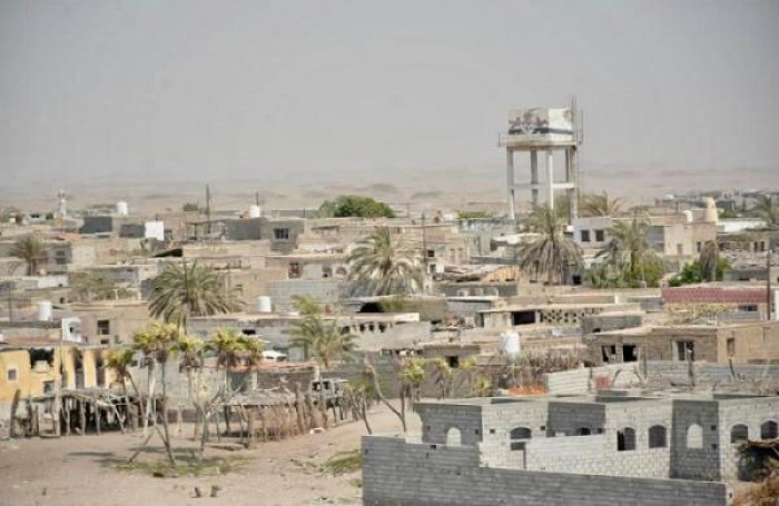 تواصل انتهاكاتها.. مليشيات الحوثي تقصف قرى الدريهمي