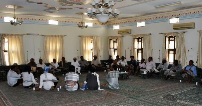 لوحت بالتصعيد.. لجان دوعن المجتمعية تطالب بحل لانقطاع الكهرباء