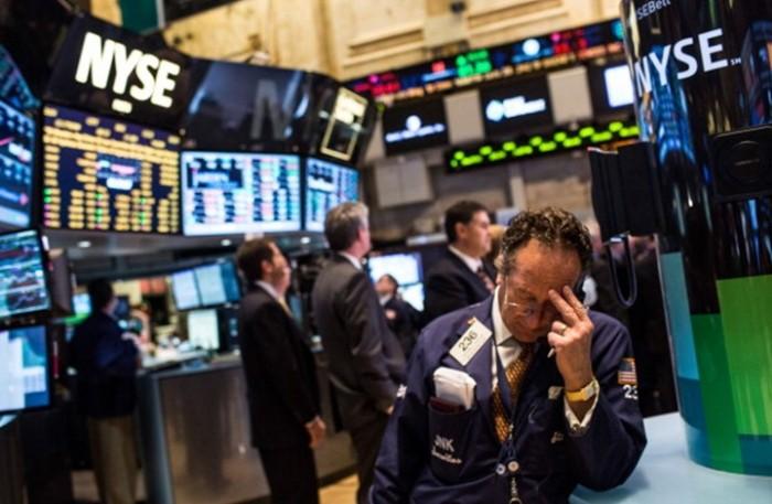 «كورونا» يُهبط الأسهم الأمريكية بشكل حاد
