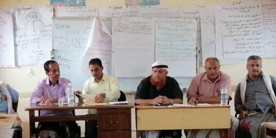 """""""انتقالي ردفان"""" يطالب بحل مشكلة إضراب المعلمين"""