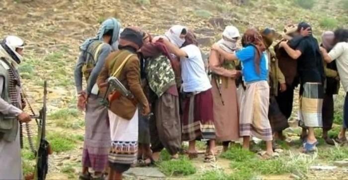 عكاظ: سبب غريب وراء عرقلة اتفاق تبادل الأسرى مع الحوثي