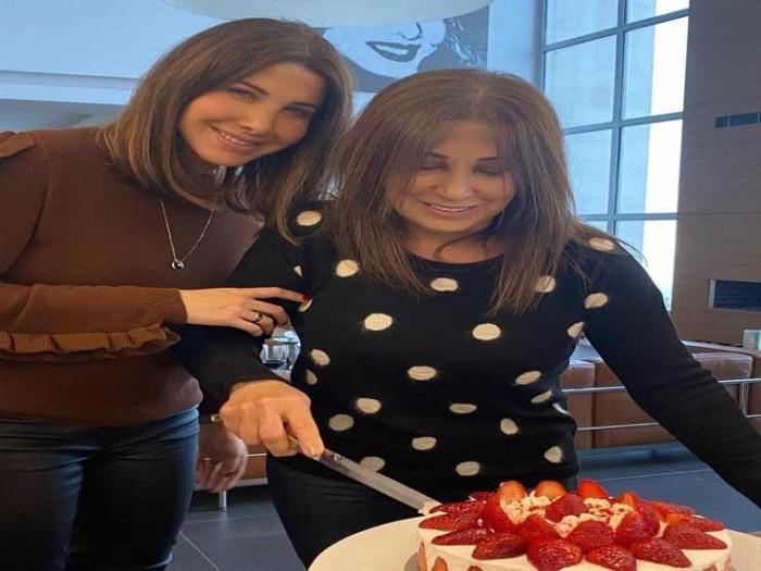 نانسي عجرم تحتفل بعيد ميلاد والدتها