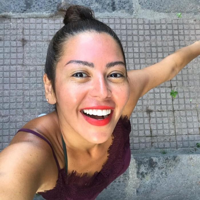 لقاء الخميسي تستعيد ذكريات رحلتها لإيطاليا (فيديو وصور)