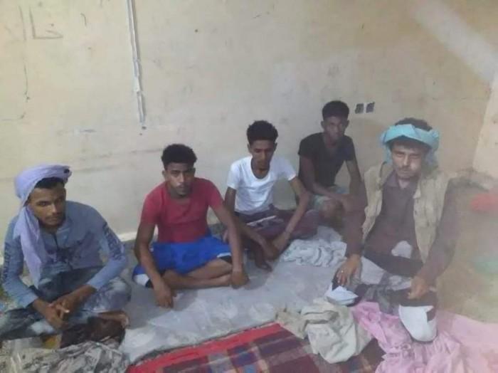 بعد بلاغات من المواطنين.. ضبط عصابة سرقة في زنجبار