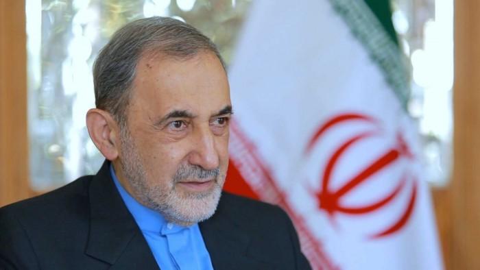إصابة أكبر ولايتي مستشار المرشد الإيراني للشؤون الدولية