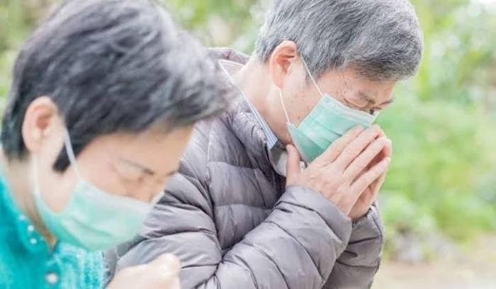 لهذا السبب.. كبار السن وأصحاب الأمراض المزمنة هم الأكثر عرضة للوفاة بكورونا