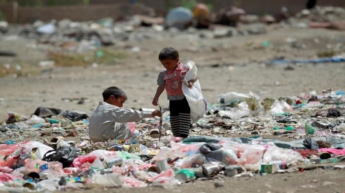 المُعذَّبون في الأرض.. كيف يفاقم الحوثيين مأساة اليمن؟