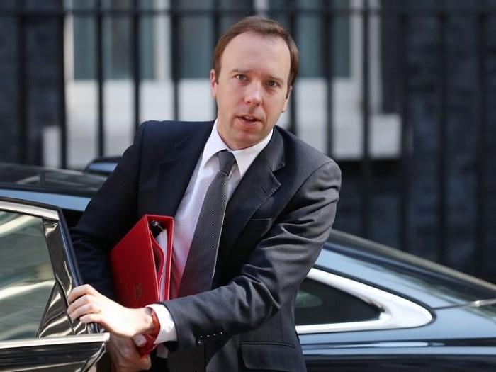 وزير الصحة البريطاني يعلن عن مجموعة إجراءات احترازية لمواجهة كورونا