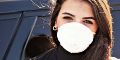 شاهد.. سقوط مراسلة لبنانية أرضًا أثناء تغطيتها أوضاع مصابي كورونا