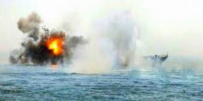 التحالف العربي: تدمير زورقين حوثيين فخختهما المليشيا بالحديدة