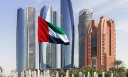 الإمارات تُلزم كل من يدخل البلاد بتطبيق العزلة لمدة 14 يومًا وتعاقب المخالفين