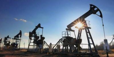 النفط يرتفع بنحو 5 % والبرميل يسجل 26دولار