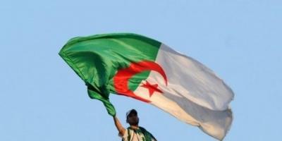 الجزائر تعلن وقف جميع وسائل النقل بين المدن والولايات