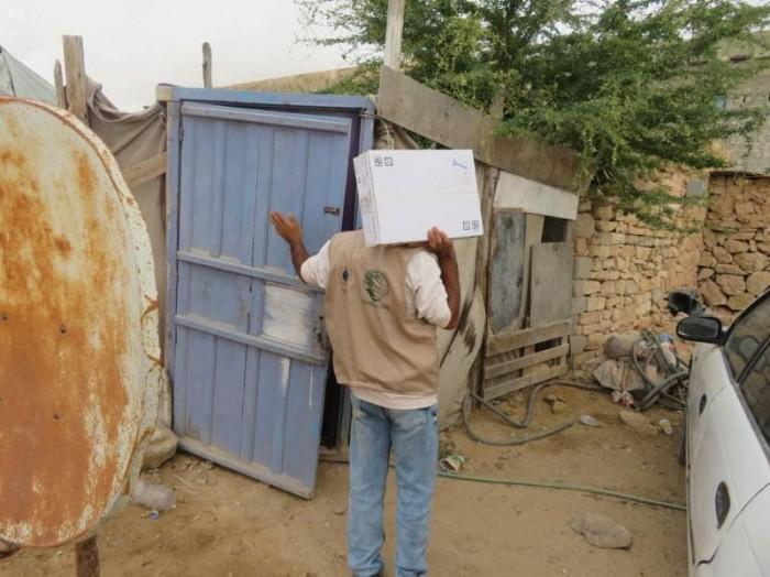 سلمان للإغاثة: 3 آلاف كرتون تمور للغيضة