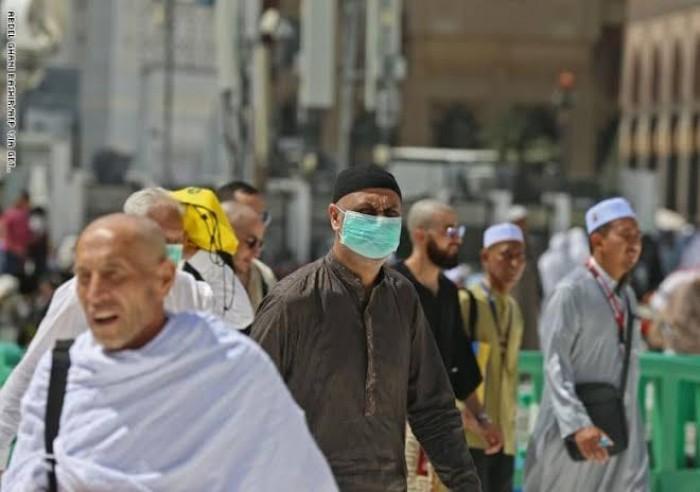 """مواطنون سعوديون يتفاعلون مع هاشتاج """"أنا مع حظر التجوال الإجباري"""""""