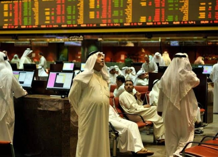 اللون الأحمر يخيم على البورصات الخليجية بسبب كورونا