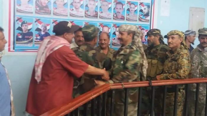 الشعيب تؤازر القوات الجنوبية في الضالع بقافلة مساعدات (صور)