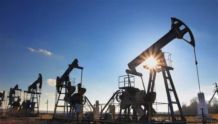 لليوم الثاني على التوالي.. النفط يصعد والبرميل يسجل 28 دولار