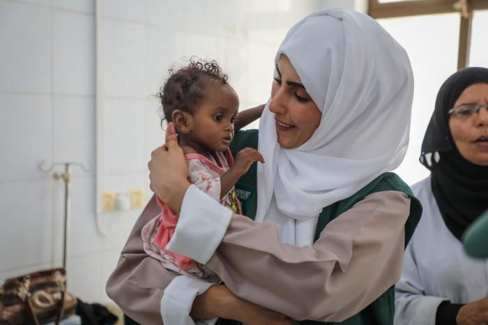بدعم سعودي.. الصحة العالمية تُعالج آلاف الأطفال باليمن