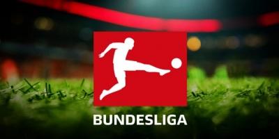 لاعبو الدوري الألماني يواجهون كورونا بتخفيض الأجور