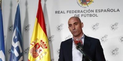 رئيس الاتحاد الإسباني: الليجا في علم الغيب.. ومستعدون لتحويل المقر إلى مستشفى