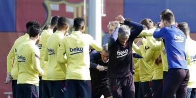 برشلونة يكشف كيفية مراقبة لاعبيه أثناء العزل المنزلي