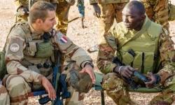 """فرنسا تقرر سحب جميع قواتها من العراق بسبب """"كورونا"""""""
