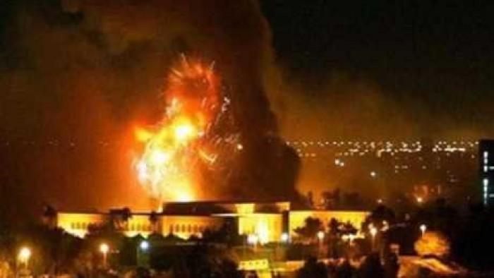 عاجل.. انفجارات عنيفة قرب السفارة الأمريكية ببغداد