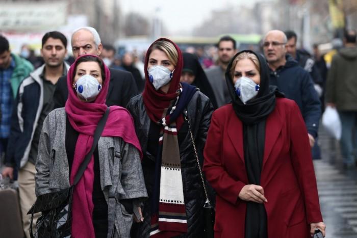 إيران تمنع التنقل والسفر بين المدن بسبب تفشي كورونا