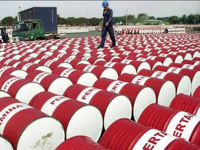 مخاوف الركود العالمي تهوي بأسعار النفط والبرميل يسجل 27.23 دولار