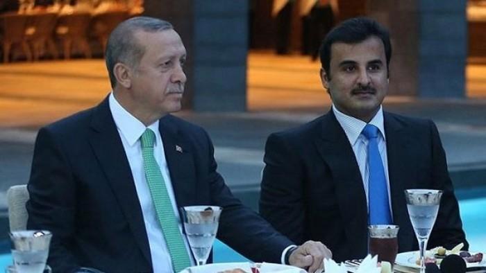 لهذا السبب..معارض قطري يسخر من أردوغان وتميم