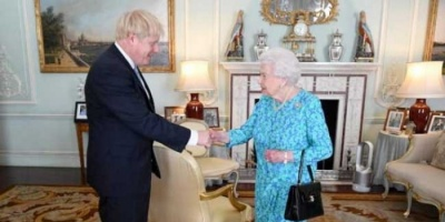 قصر بكنغهام: إليزابيث التقت بجونسون في 11 مارس وتتبع نصائح سلامتها