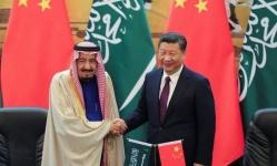 الملك سلمان يبحث مع الرئيس الصيني جهود مكافحة كورونا 
