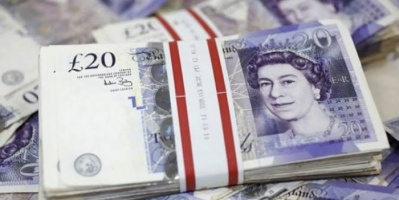 الجنية الإسترليني يصعد أمام الدولار الأمريكي واليورو
