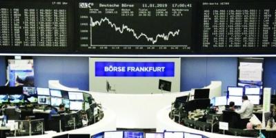 """البورصة الأوروبية تنهار.. والسبب إصابة """"جونسون"""" بكورونا"""