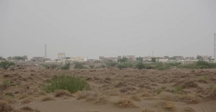 قصف حوثي على مناطق سكنية في الجبلية