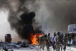 إصابة حاكم صومالي في تفجير انتحاري