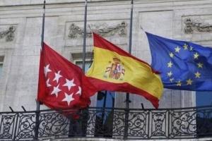 إسبانيا تنكس أعلامها حدادا على أرواح ضحايا كورونا