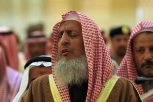 مفتي السعودية: الصواريخ الحوثية عدوان غاشم وغدر وخيانة
